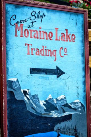 Moraine Lake Lodge sign