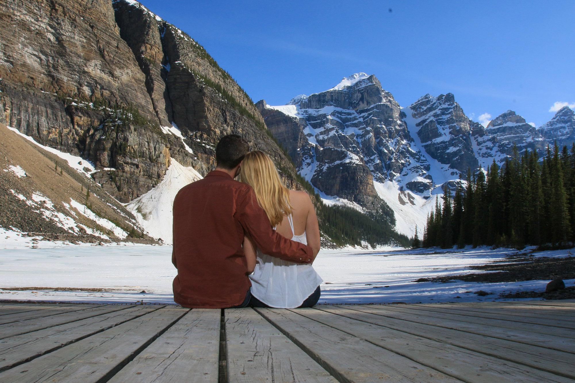 Moraine Lake engagement session with Banff photographers, Burnett Photography.Moraine Lake marriage proposal & engagement session with Banff photographers, Burnett Photography.