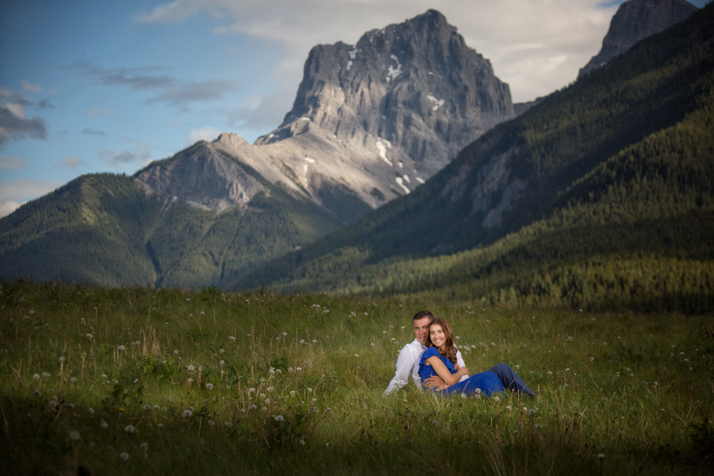 Engagement Pictures in Canmore Dog Park