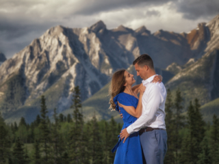 Dramatic clouds, alpine glow and a gorgeous couple. How can we go wrong?