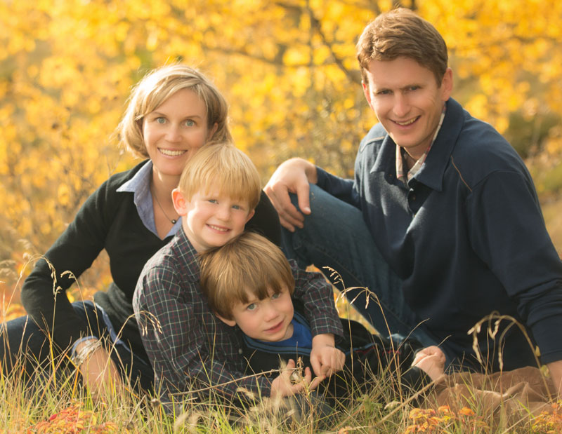 banff photographers Burnett Photography family portraits Banff